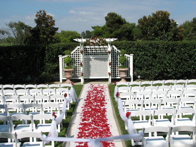 ok ladies need your ceremony decor ideas advice photo 55794-4