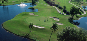 Photo aerial photo of hole 3 with 4 golfers on green