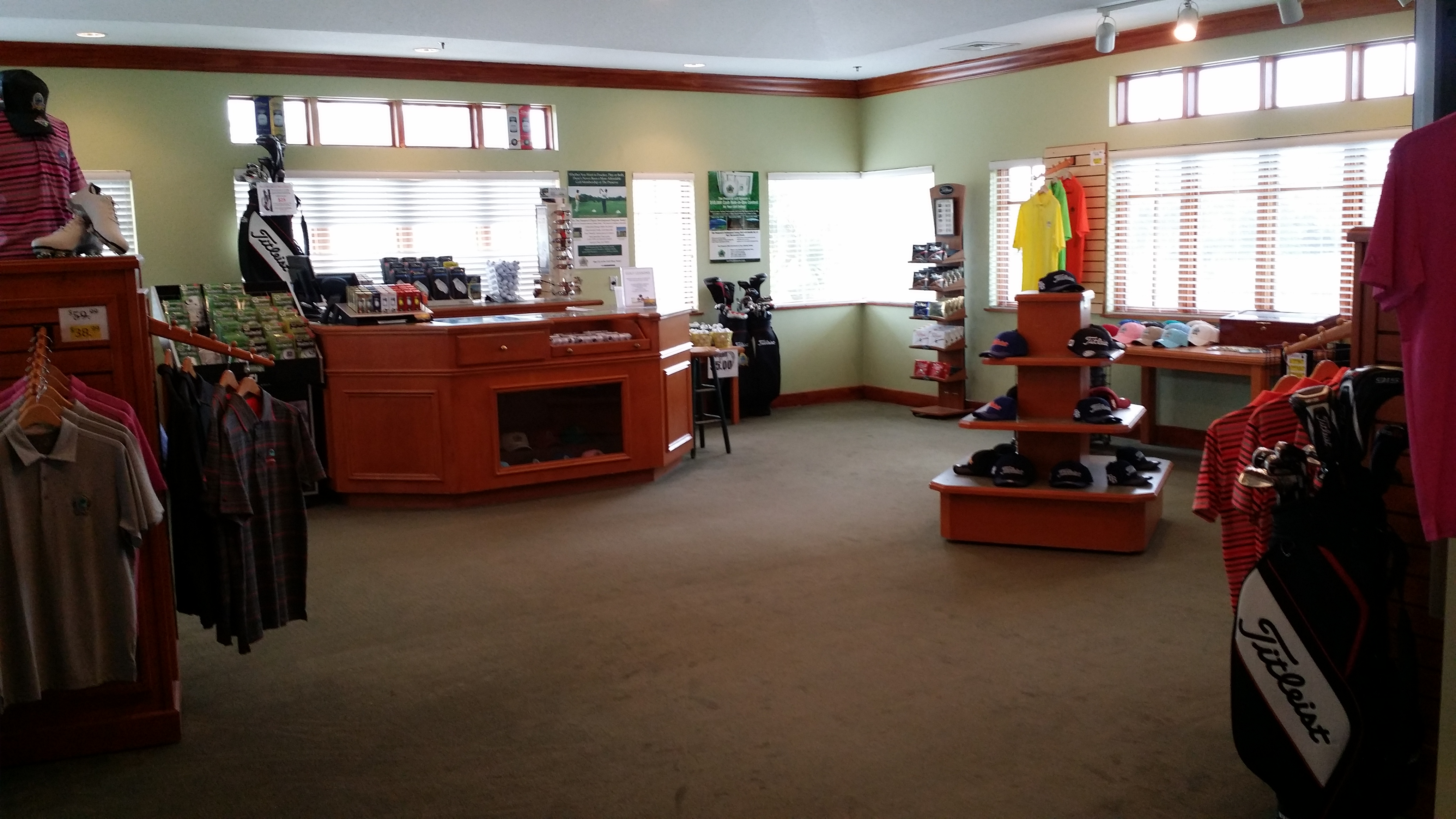 Photo - Interior of The Preserve Golf Shp